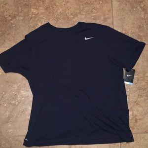 Brand new men's Nike t shirt